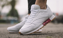 10ae99d919e6 REEBOK WMNS CLASSIC LEATHER  OLD MEETS NEW